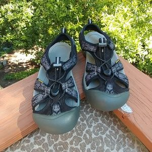 Keen Waterproof Sandals Sz 8?